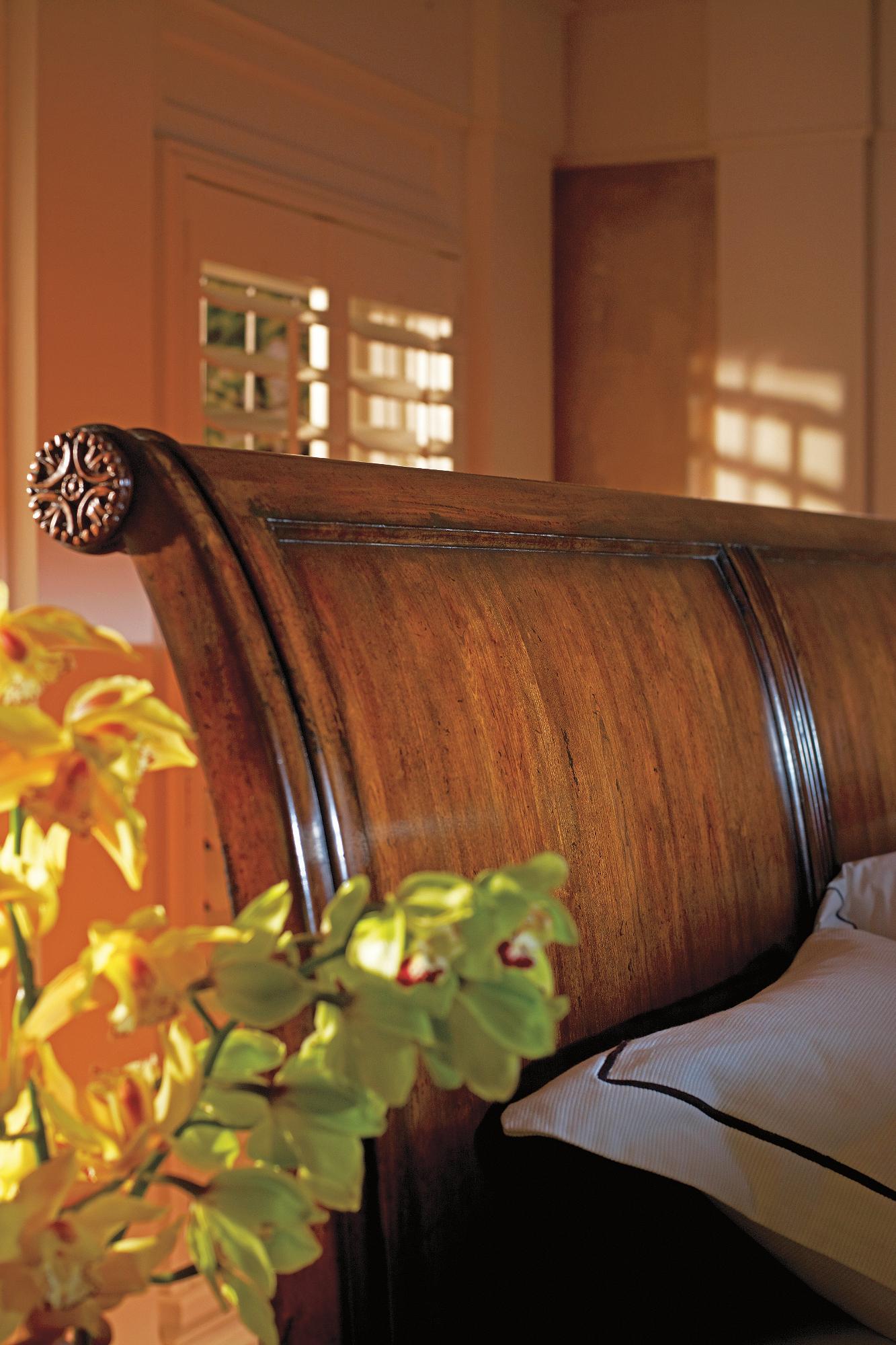 The Clic Portfolio British Colonial 020 63 By Stanley Furniture Ahfa Dealer