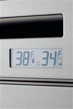 Digital Controls Maintain More Consistent Temperature: Within 1 Degree Fahrenheit of the Temperature You Choose