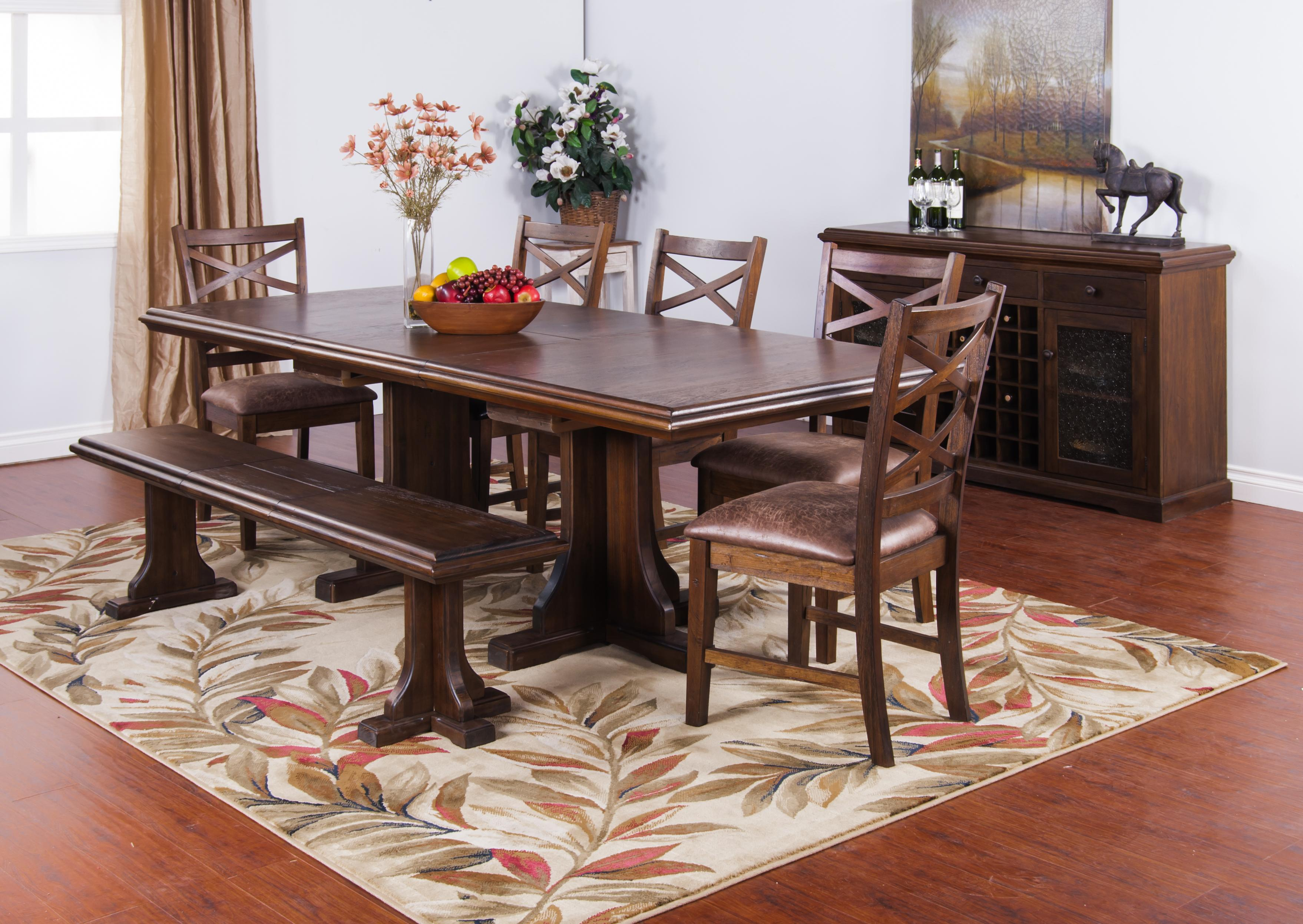 Sunny Designs Savannah Coffee Table with Casters & Decorative