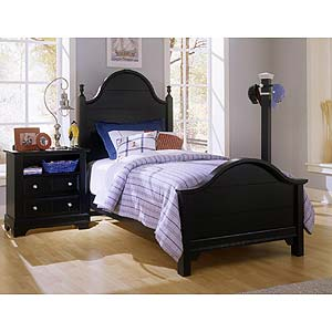 Vaughan Bassett Cottage Queen Slat Poster Bed