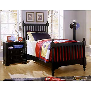 Vaughan Bassett Cottage Queen Sleigh Bed w/ Low Footboard