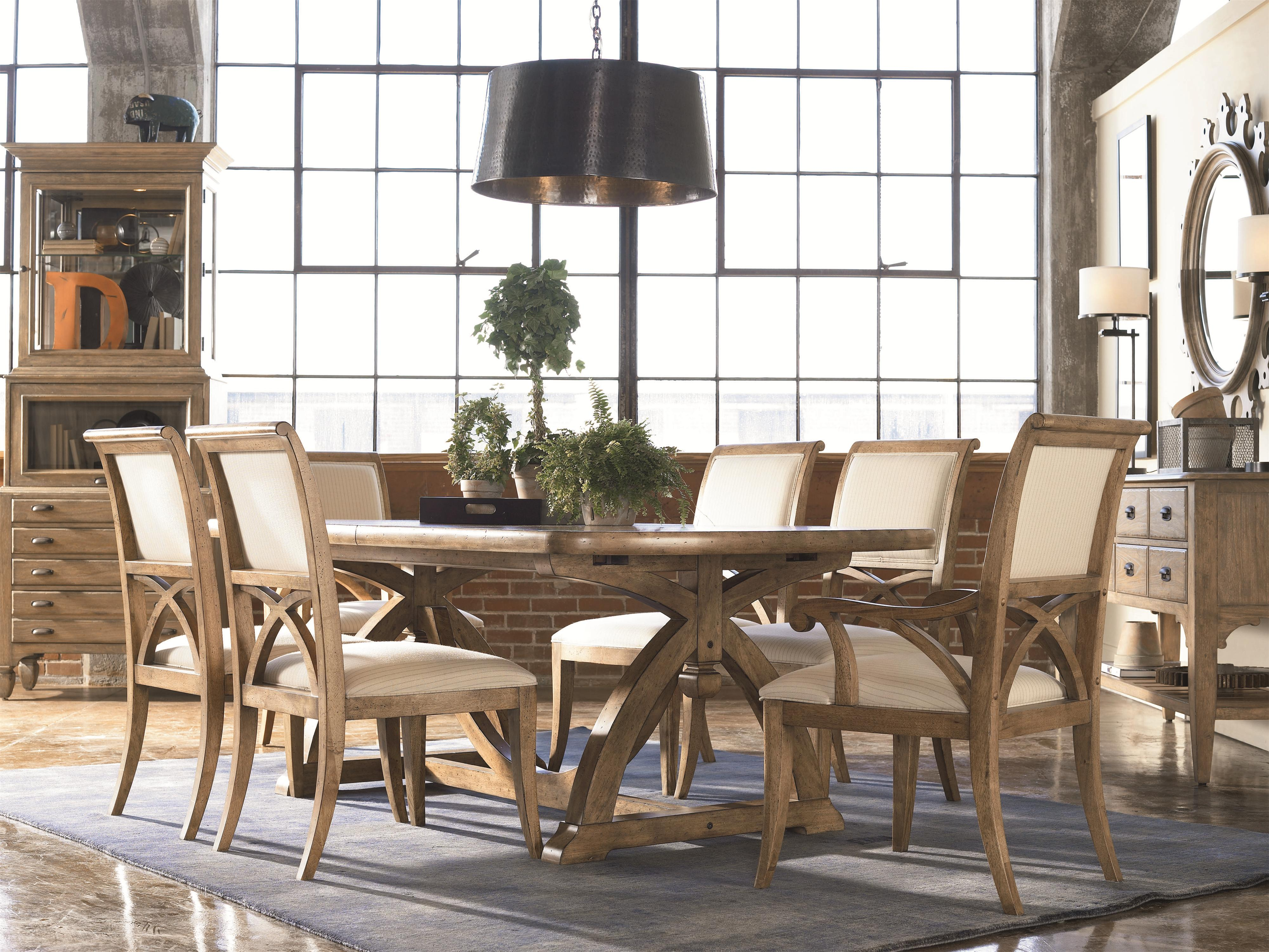 thomasville dining room table
