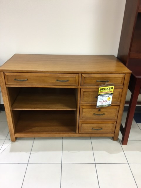 Apple Valley Clearance Center   Office Furniture