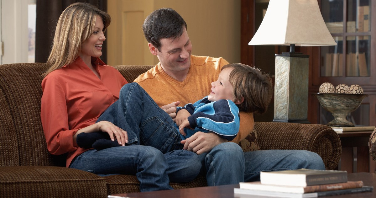 Cushion materials comfort support belfort furniture for Comfortable family sofa