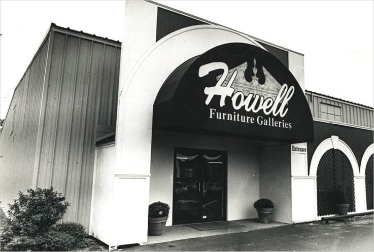 Howell's store front in the 90's