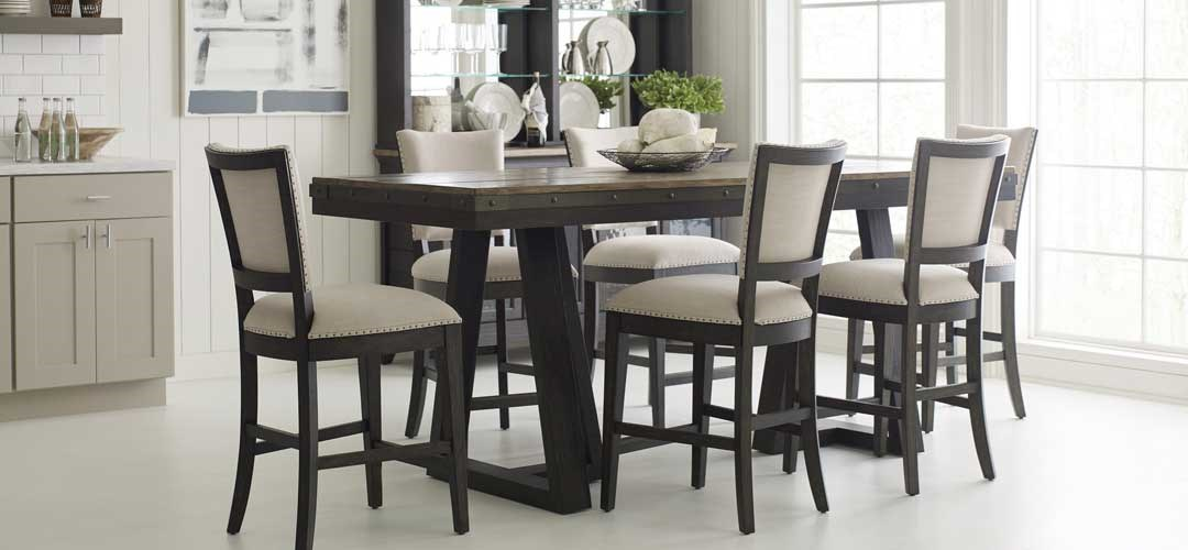 Caracole classic dining room