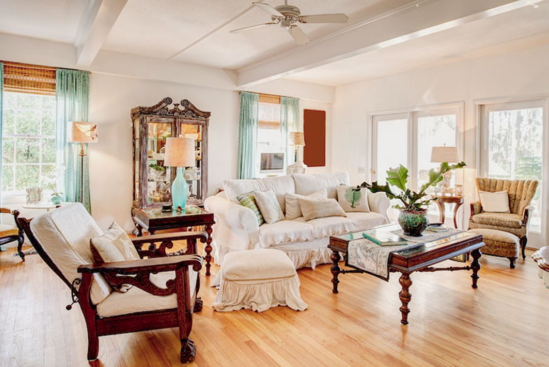 Furniture Tips to Design A Small Living Room