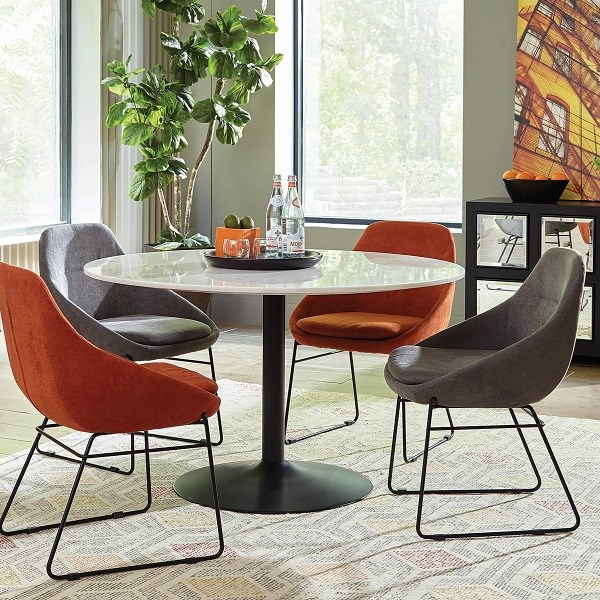Dash Dining Table