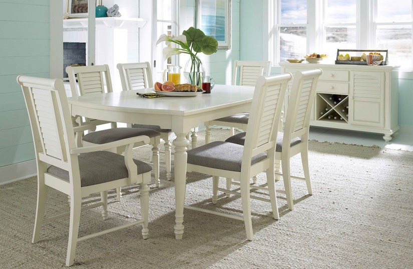 Broyhill Seabrooke Dining Table And Chairs