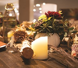 How to create a holiday table