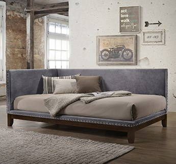 Clearance Daybeds/Futons