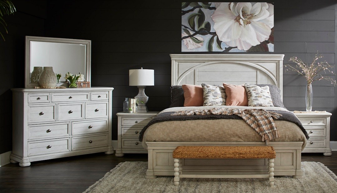 Trisha Yearwood Home Nashville collection queen bed