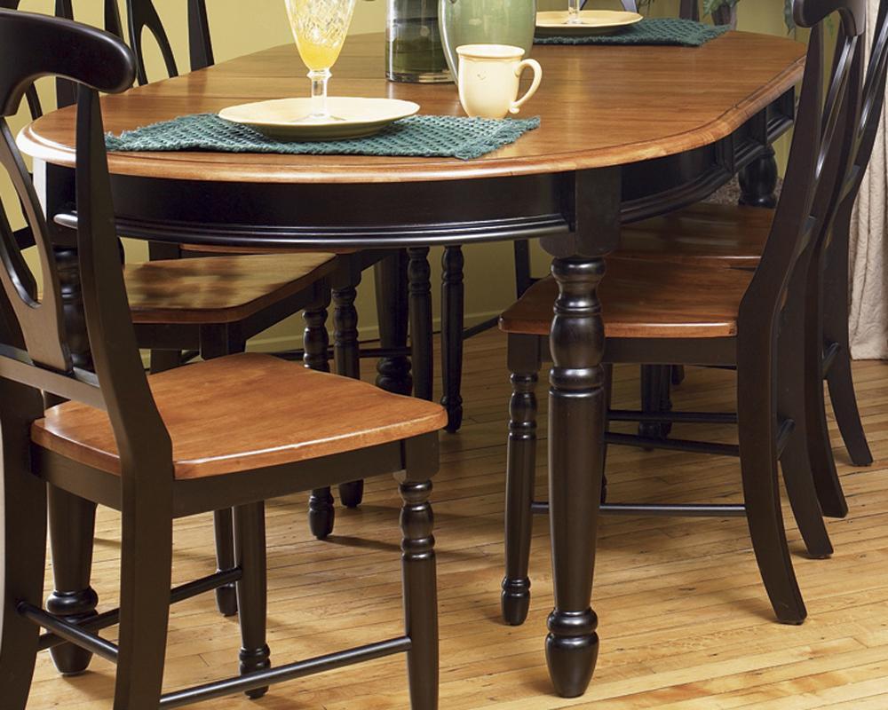 AAmerica British Isles Oval Leg Table - Item Number: BRI-HE-6-31-0