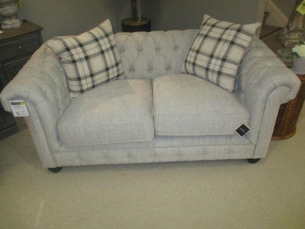 921 Ebony Abbington Love Seat by Aria Designs at Stoney Creek Furniture