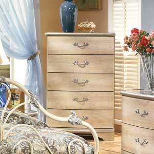 Signature Design by Ashley Furniture Luxuriance Chest of Drawers