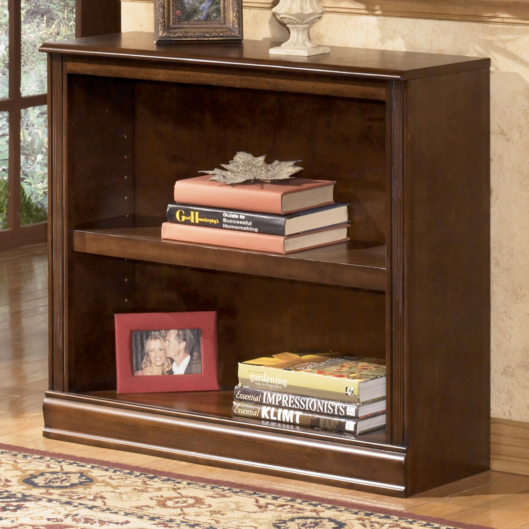 Signature Design by Ashley Hamlyn Small Bookcase - Item Number: H527-15