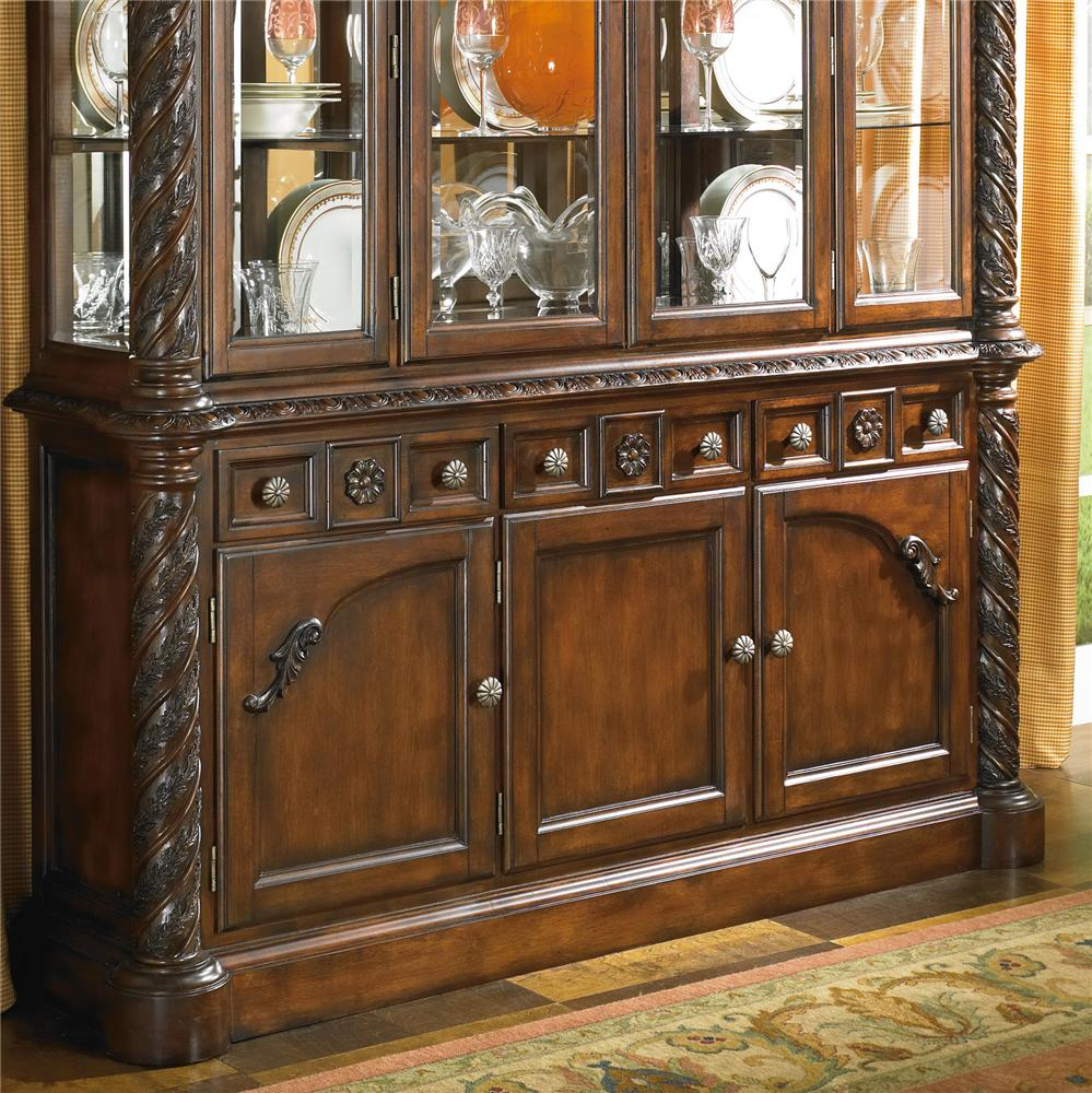 Northshore Collection: Old World Buffet