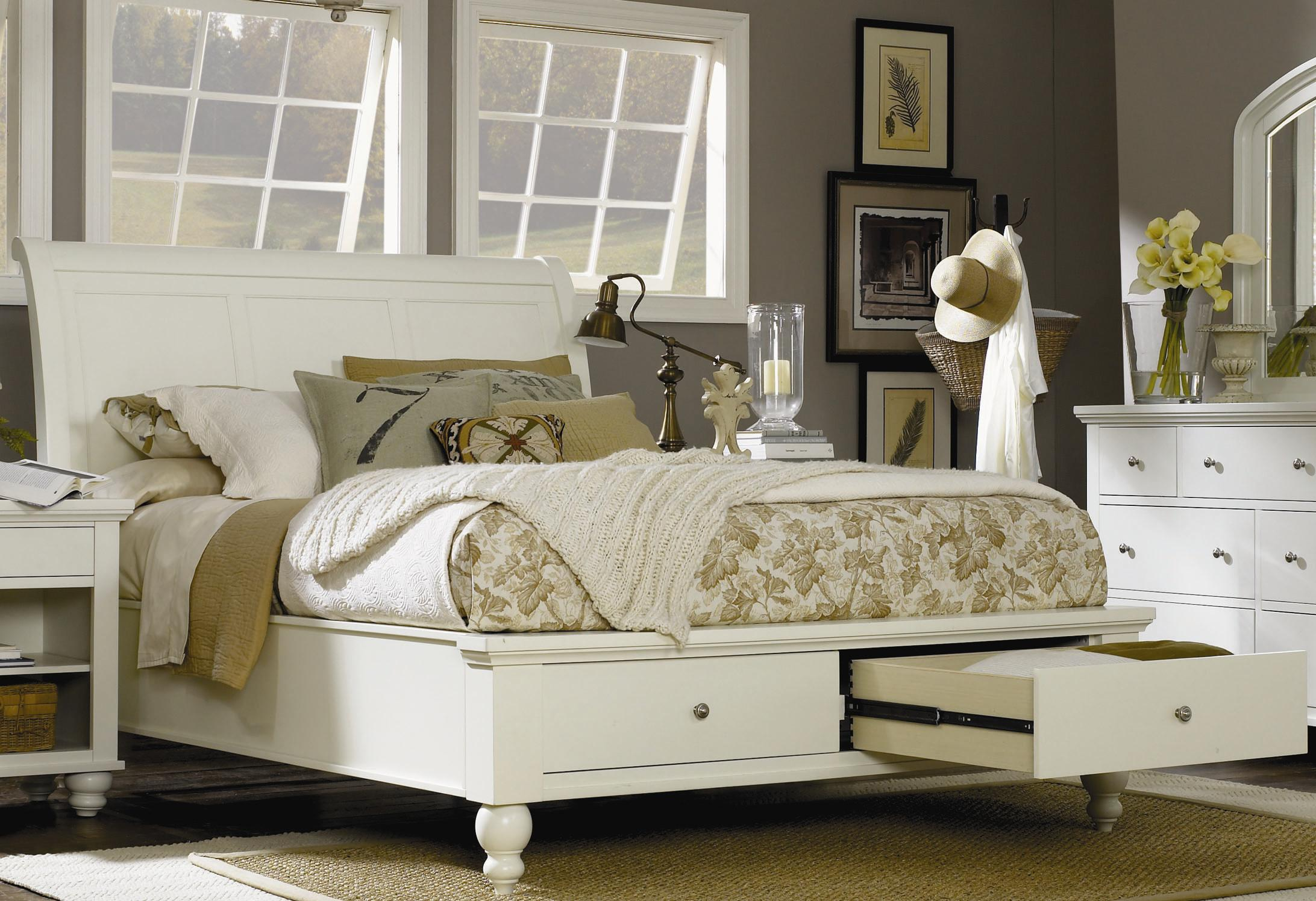 Aspenhome Cambridge Queen Sleigh Bed With Storage Drawers