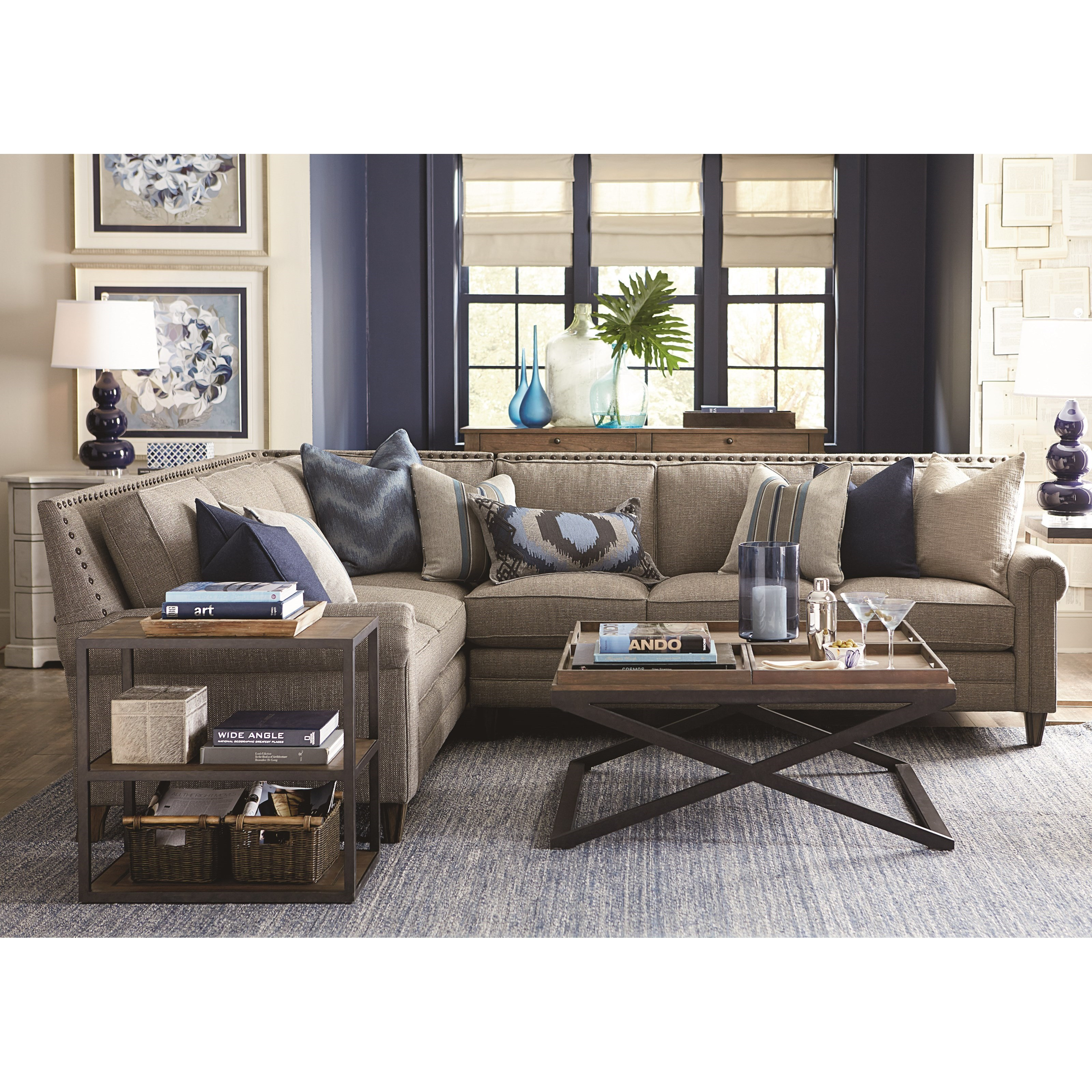 Bassett Harlan Sectional Sofa With 5 Seats
