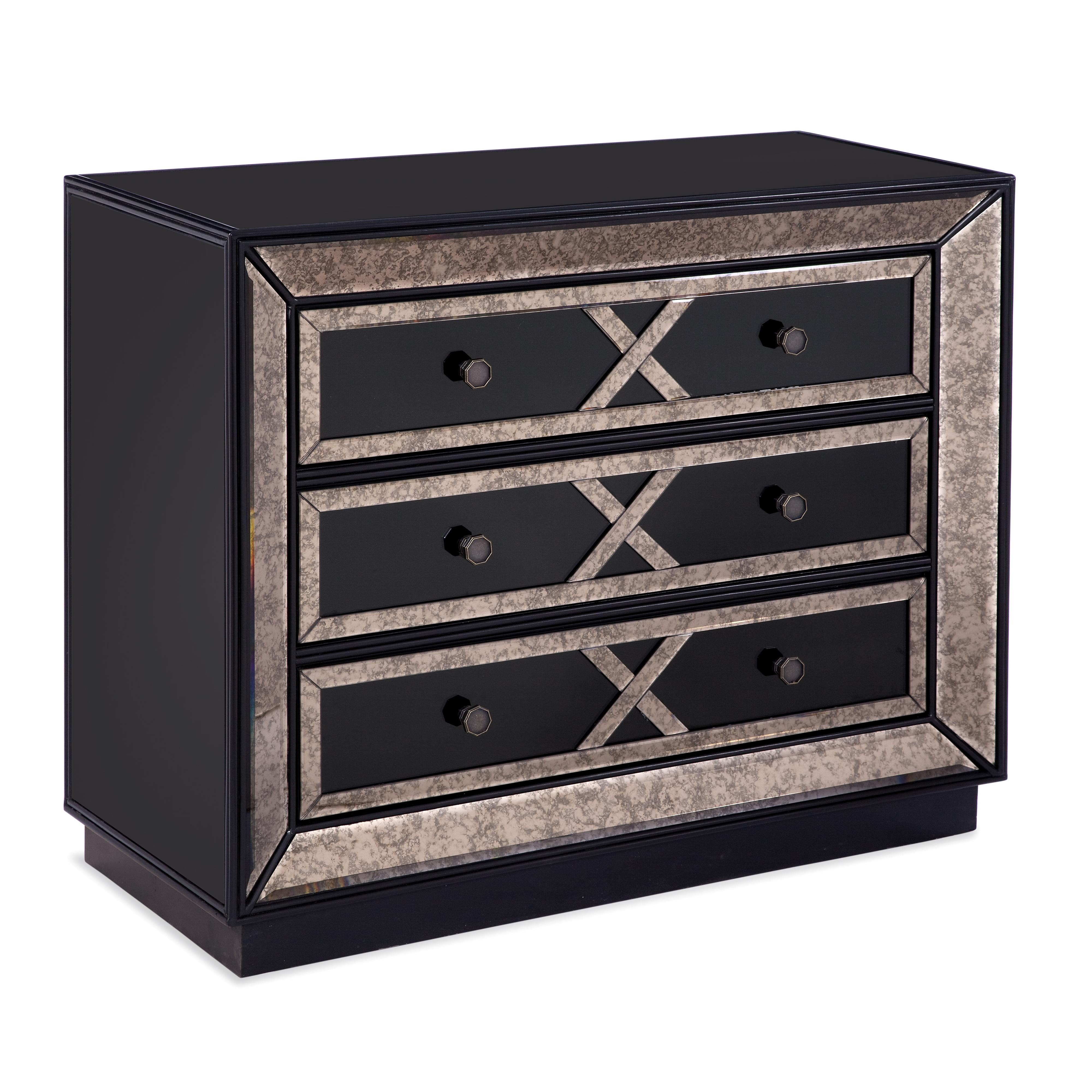 Barcino Chest