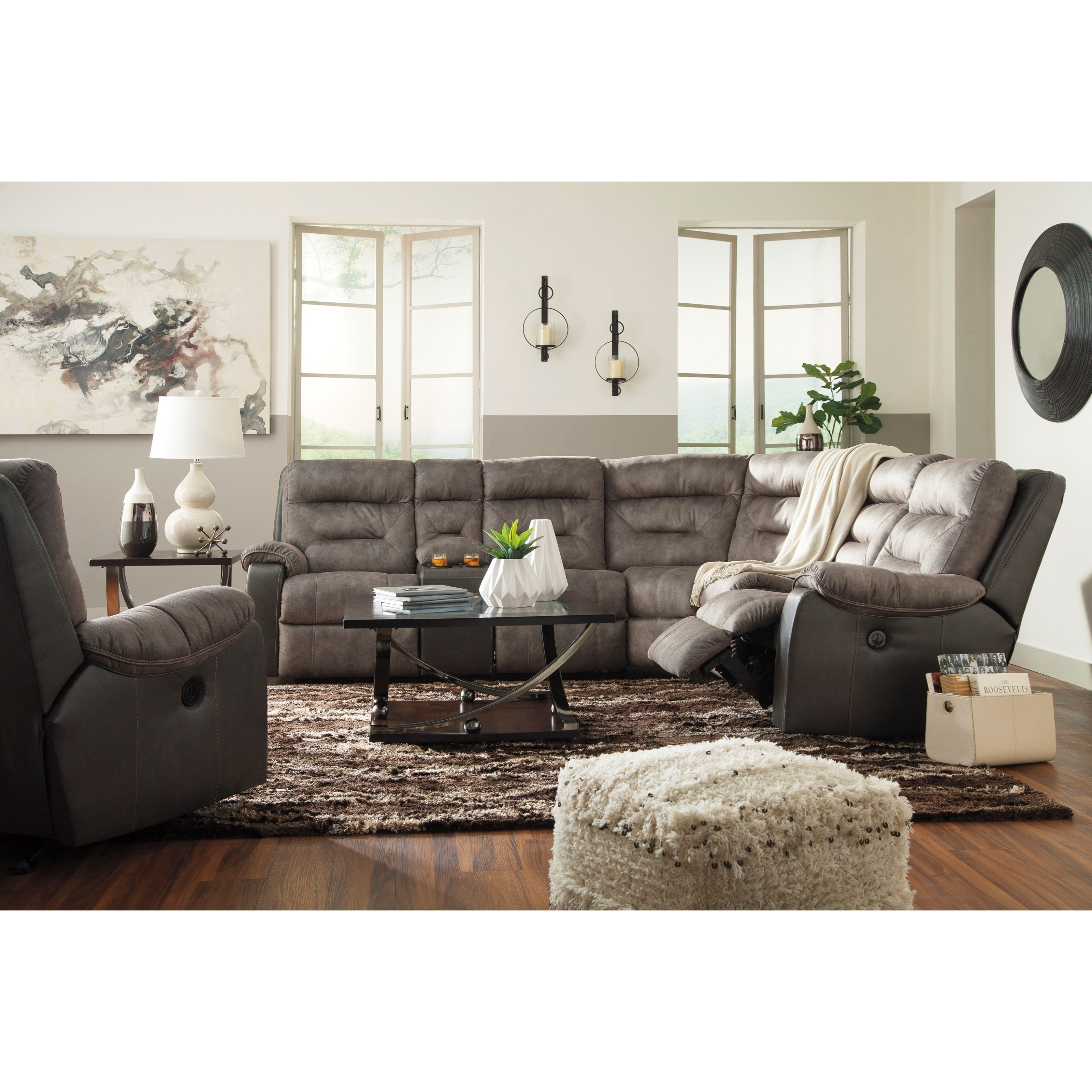 Sectional Sofas With Recliners: Benchcraft Hacklesbury Two-Tone Reclining Sectional With