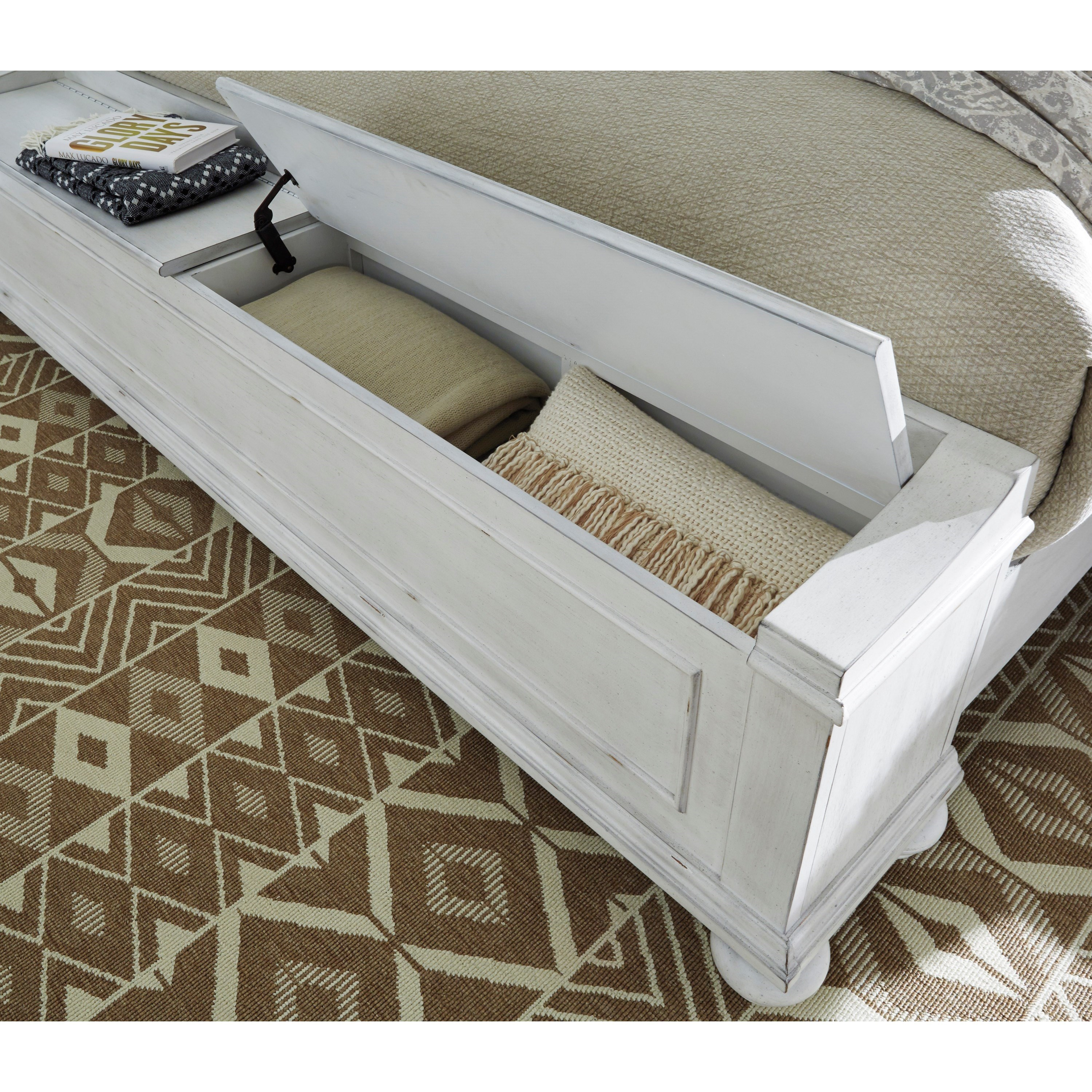 Bench By Bed: Benchcraft By Ashley Kanwyn Relaxed Vintage King