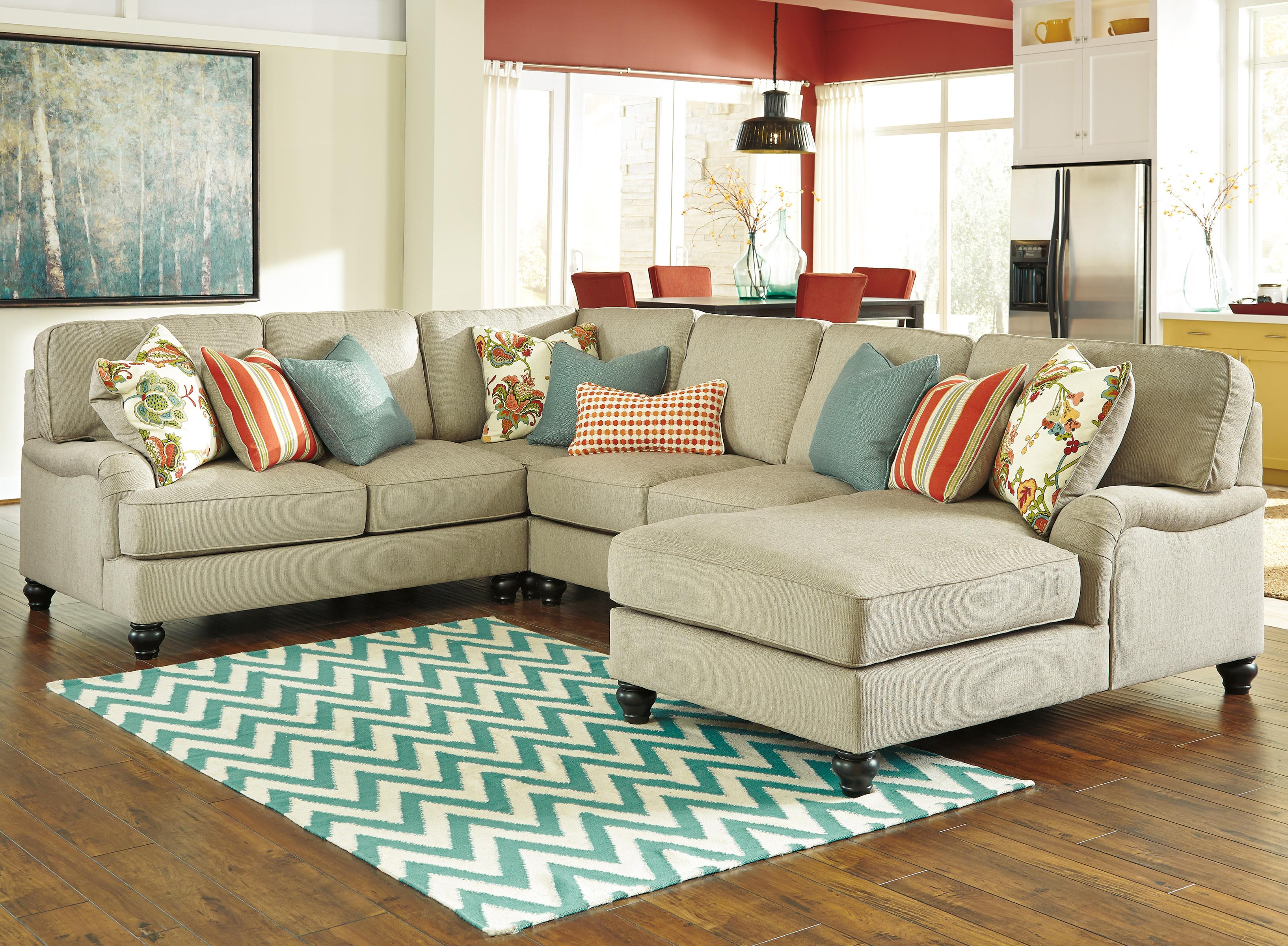 Benchcraft Kerridon 4-Piece Sectional with Right Chaise - Item Number: 2630055+77+34+17