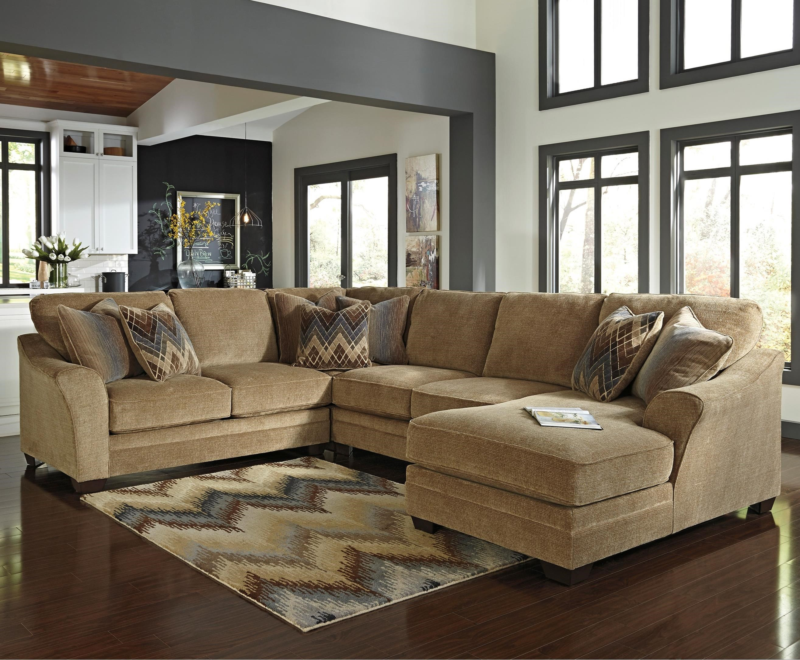 Benchcraft Lonsdale 4-Piece Sectional with Right Chaise - Item Number: 9211155+77+34+17