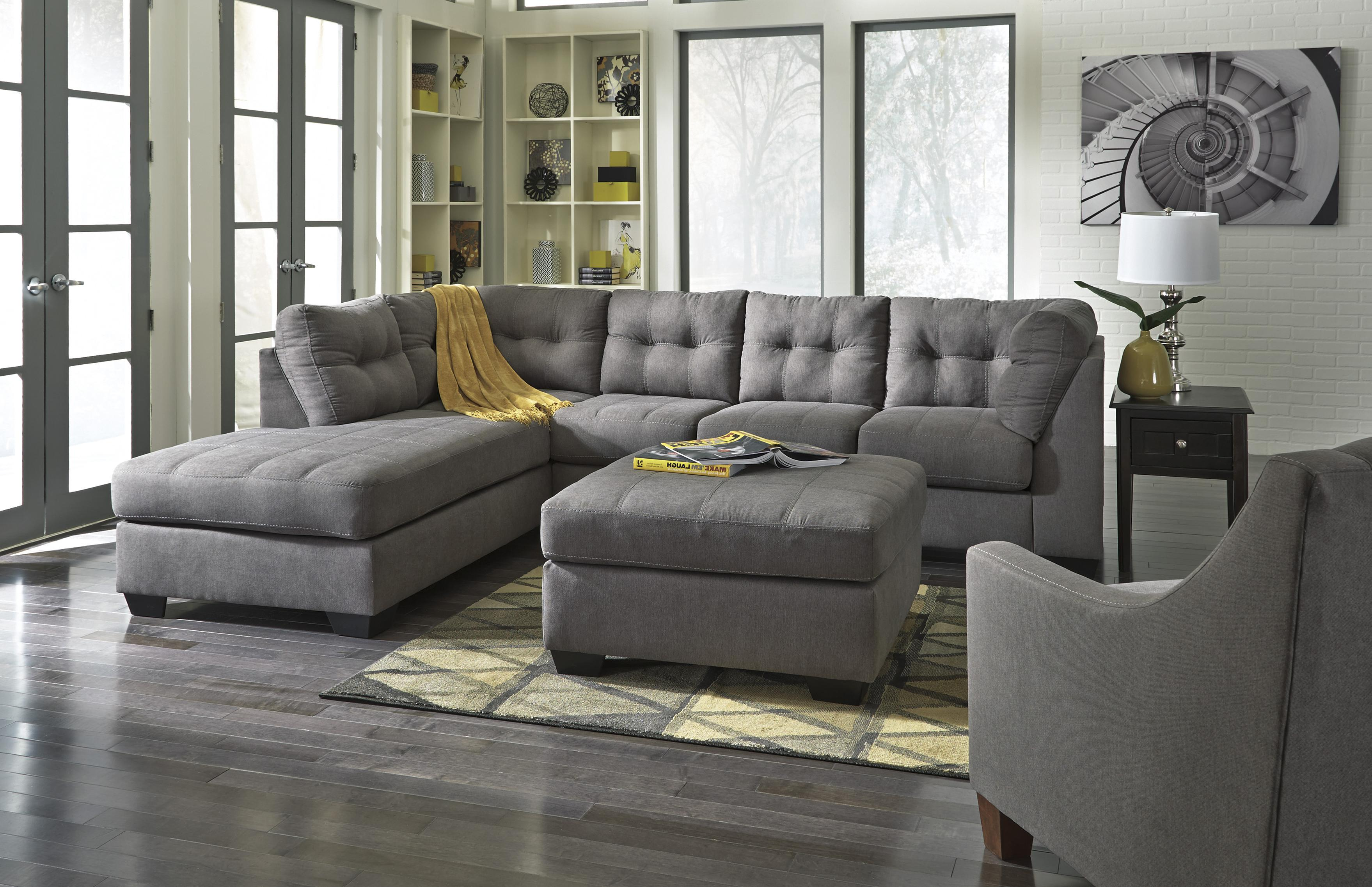 Ashley/Benchcraft Maier - Charcoal Stationary Living Room Group - Item Number: 45200 Living Room Group 4