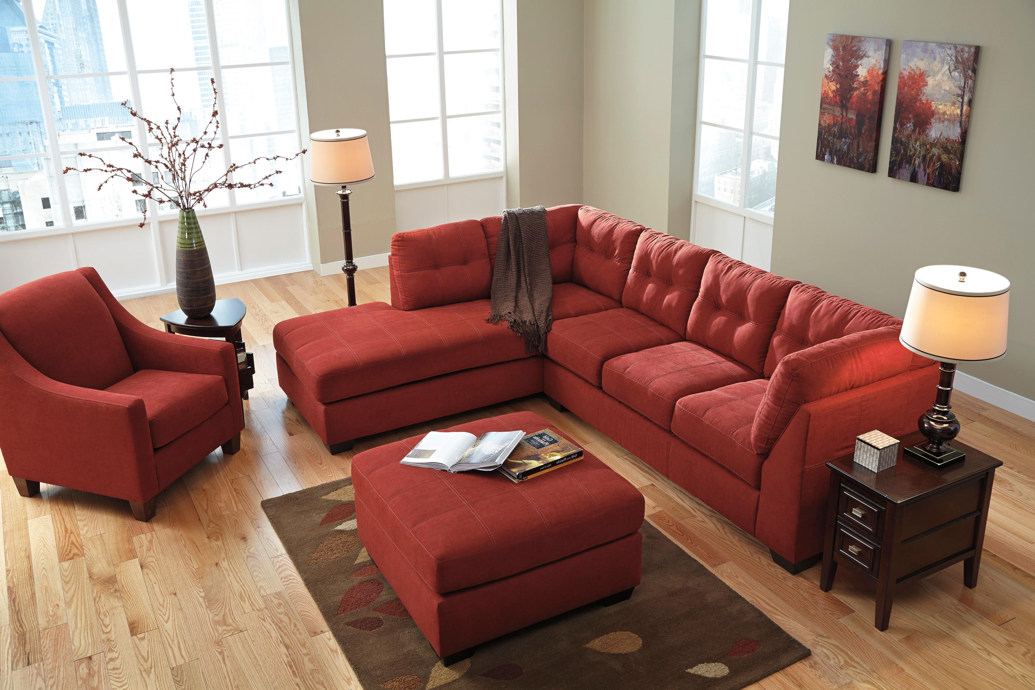 Benchcraft maier sienna 2 piece sectional with left for 2 piece sectional sofa with chaise