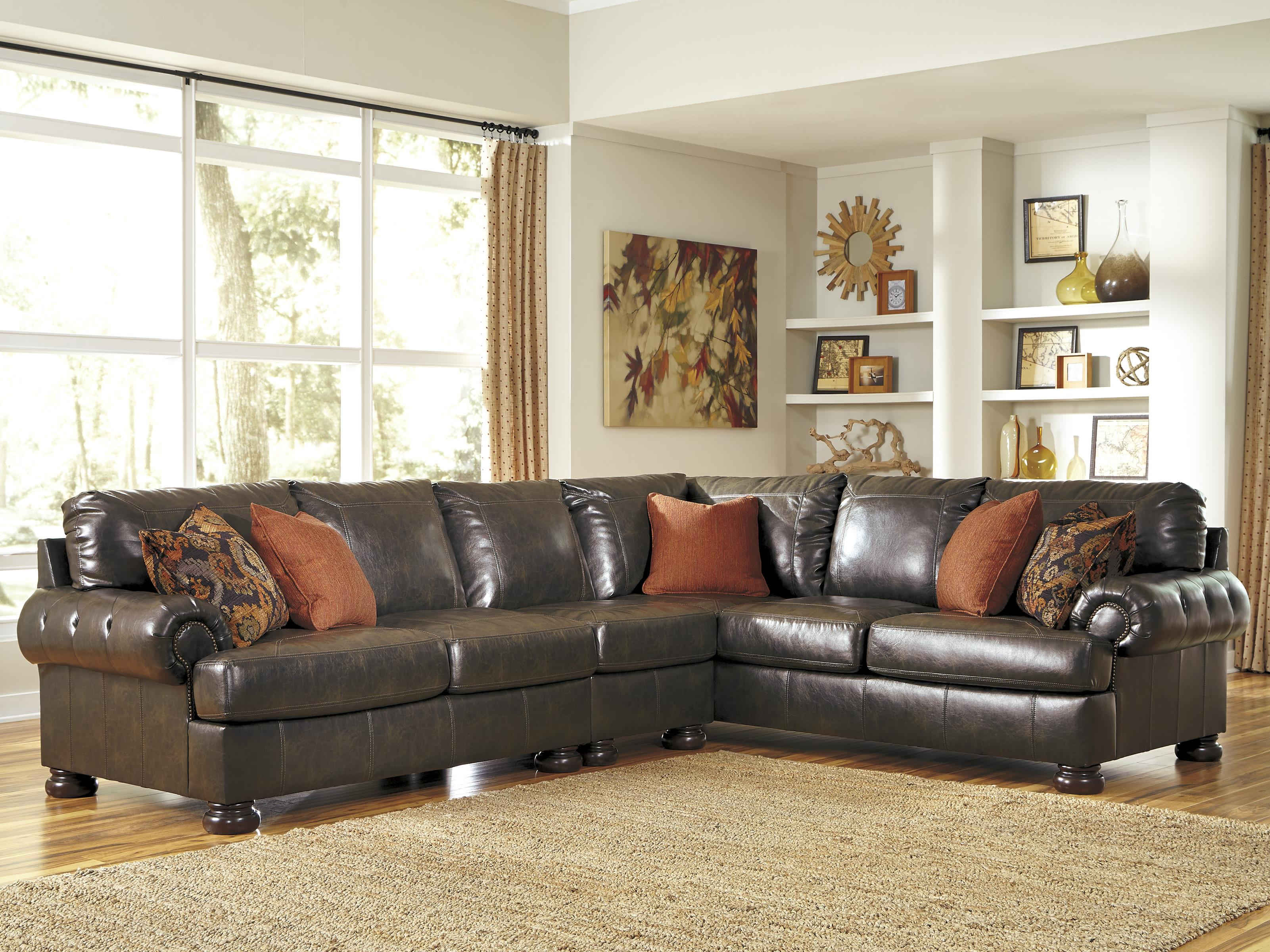 Benchcraft Nesbit DuraBlend® 3-Piece Sectional - Item Number: 3160055+46+67
