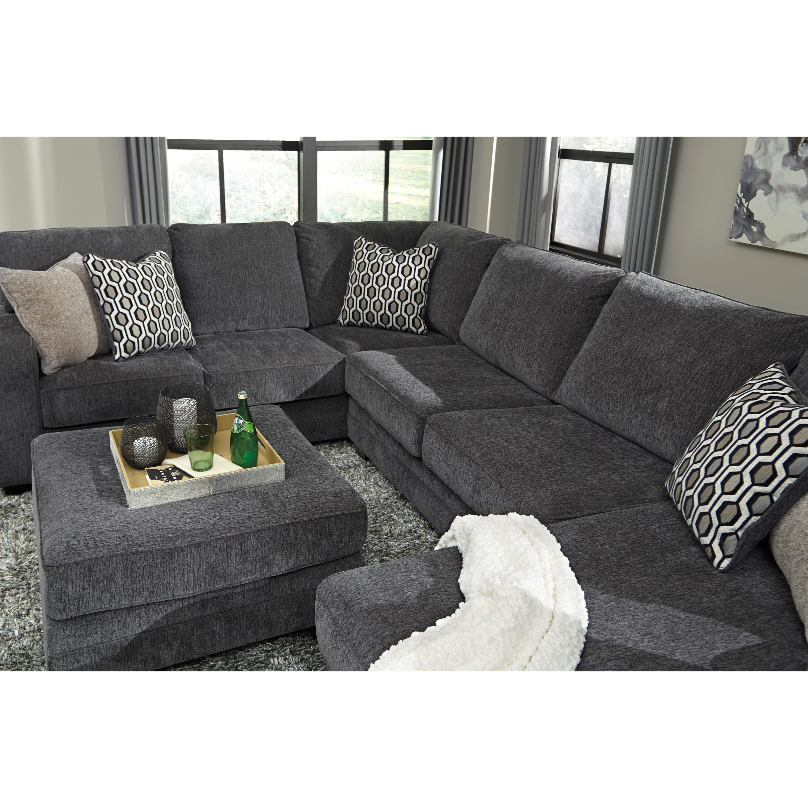 Benchcraft Tracling Contemporary Sectional With Right
