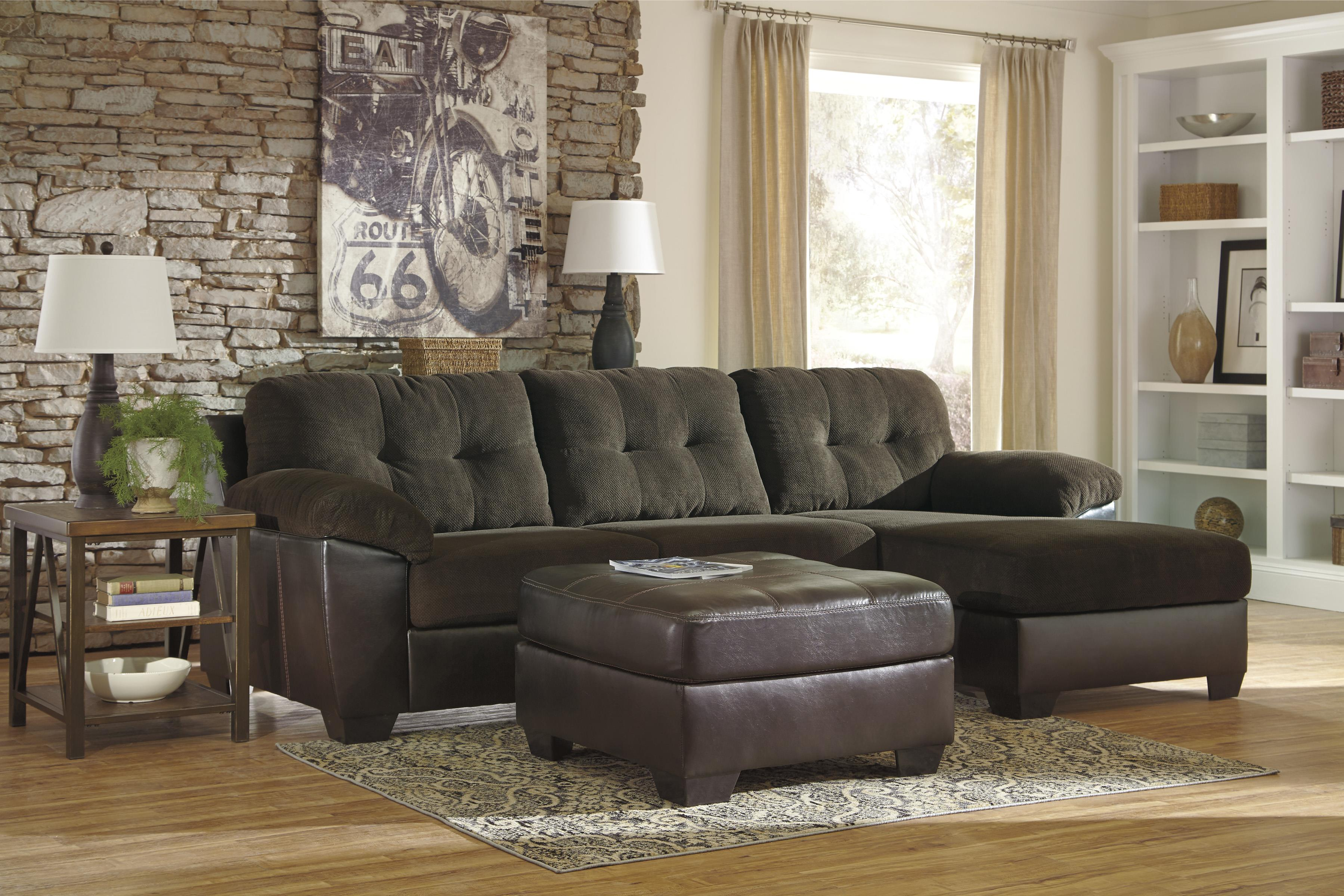 Benchcraft Vanleer Stationary Living Room Group - Item Number: 15900 Living Room Group 1