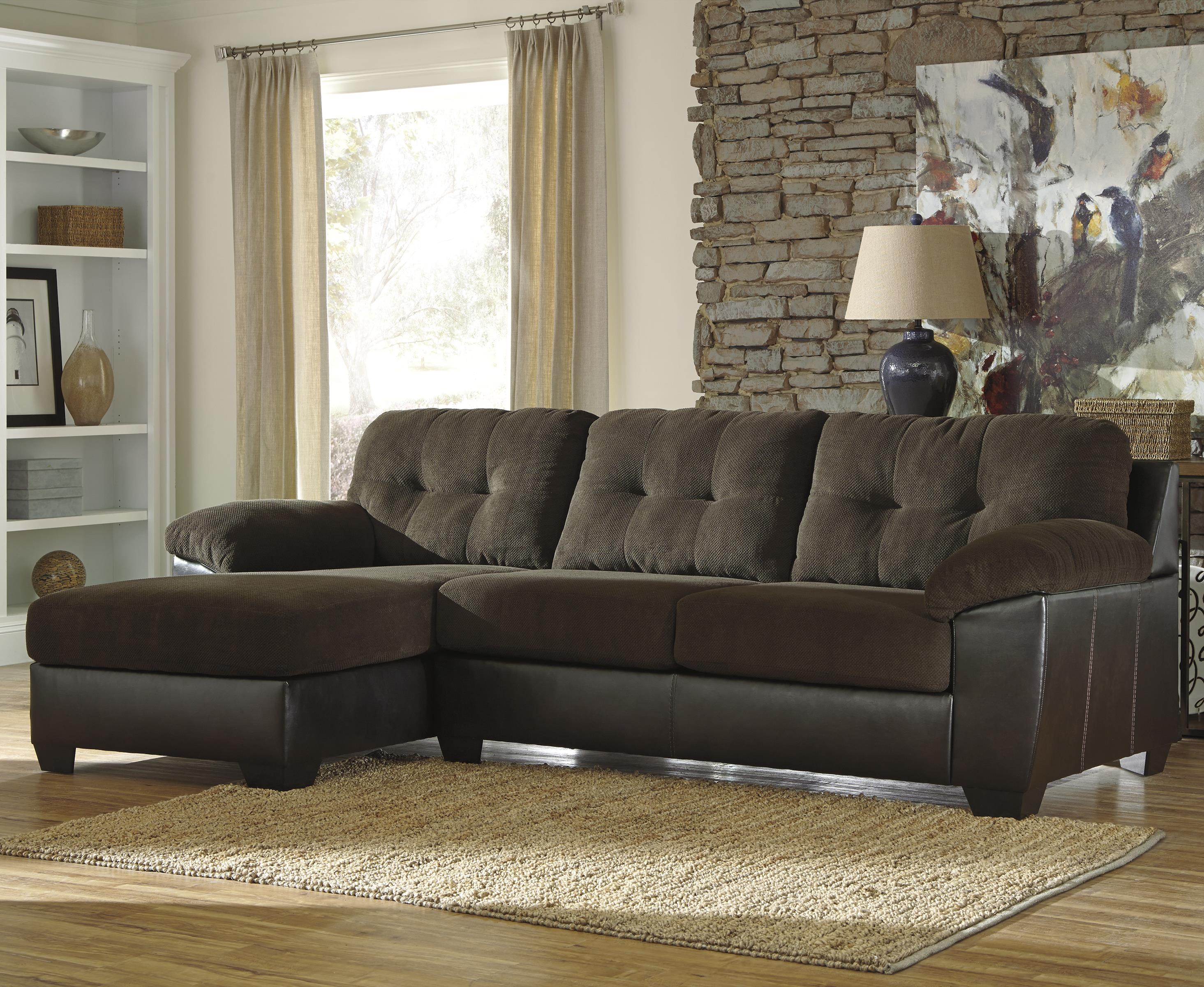 Benchcraft Vanleer 2-Piece Sectional with Left Chaise - Item Number: 1590016+67