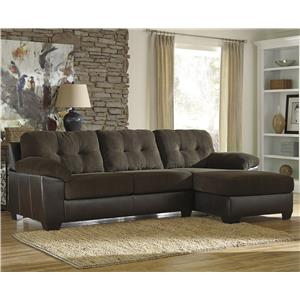 Benchcraft Vanleer 2-Piece Sectional with Right Chaise