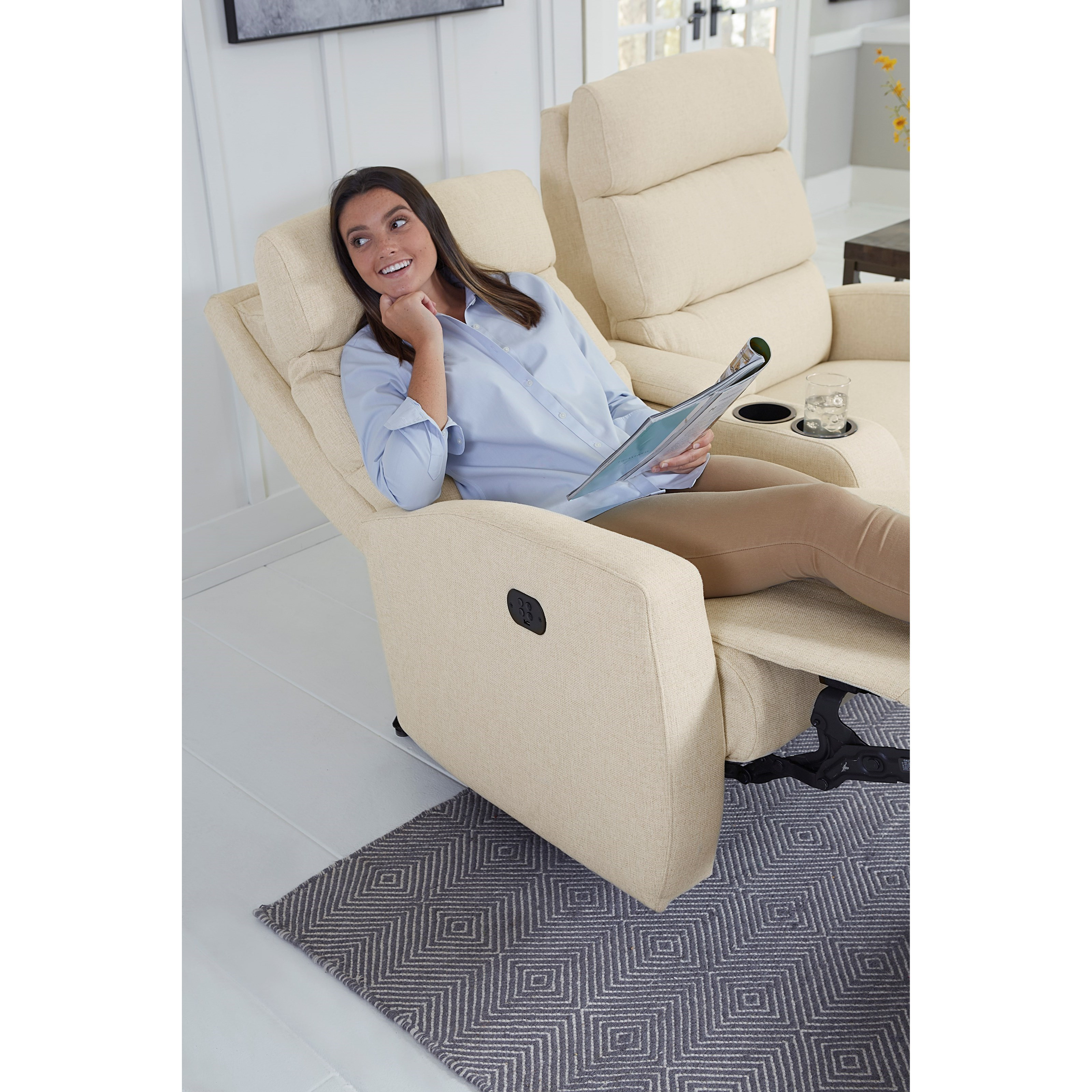 Best Home Furnishings Hillarie Reclining Wall Saver