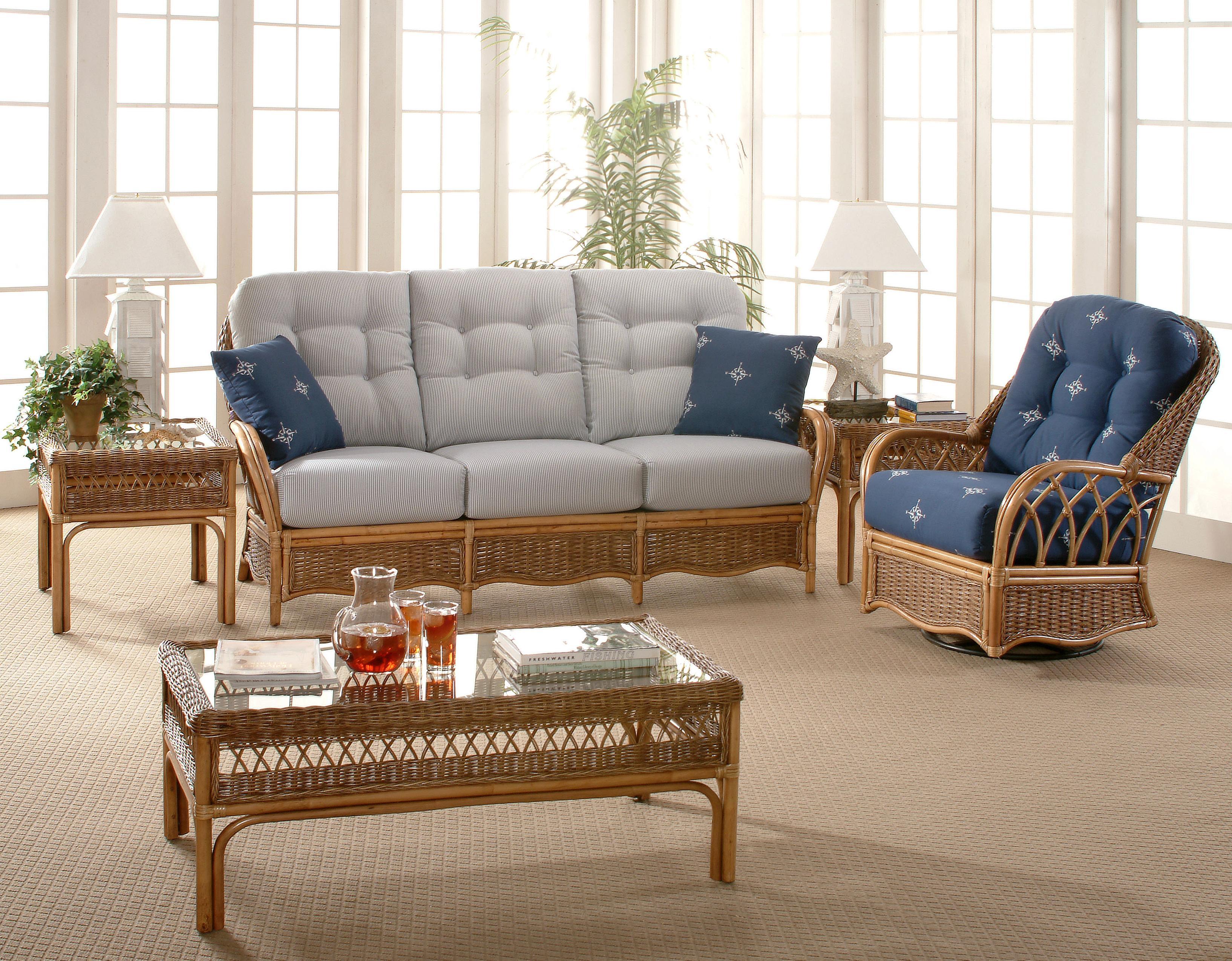 Vendor 10 Everglade 905-011 Tropical Rattan Sofa