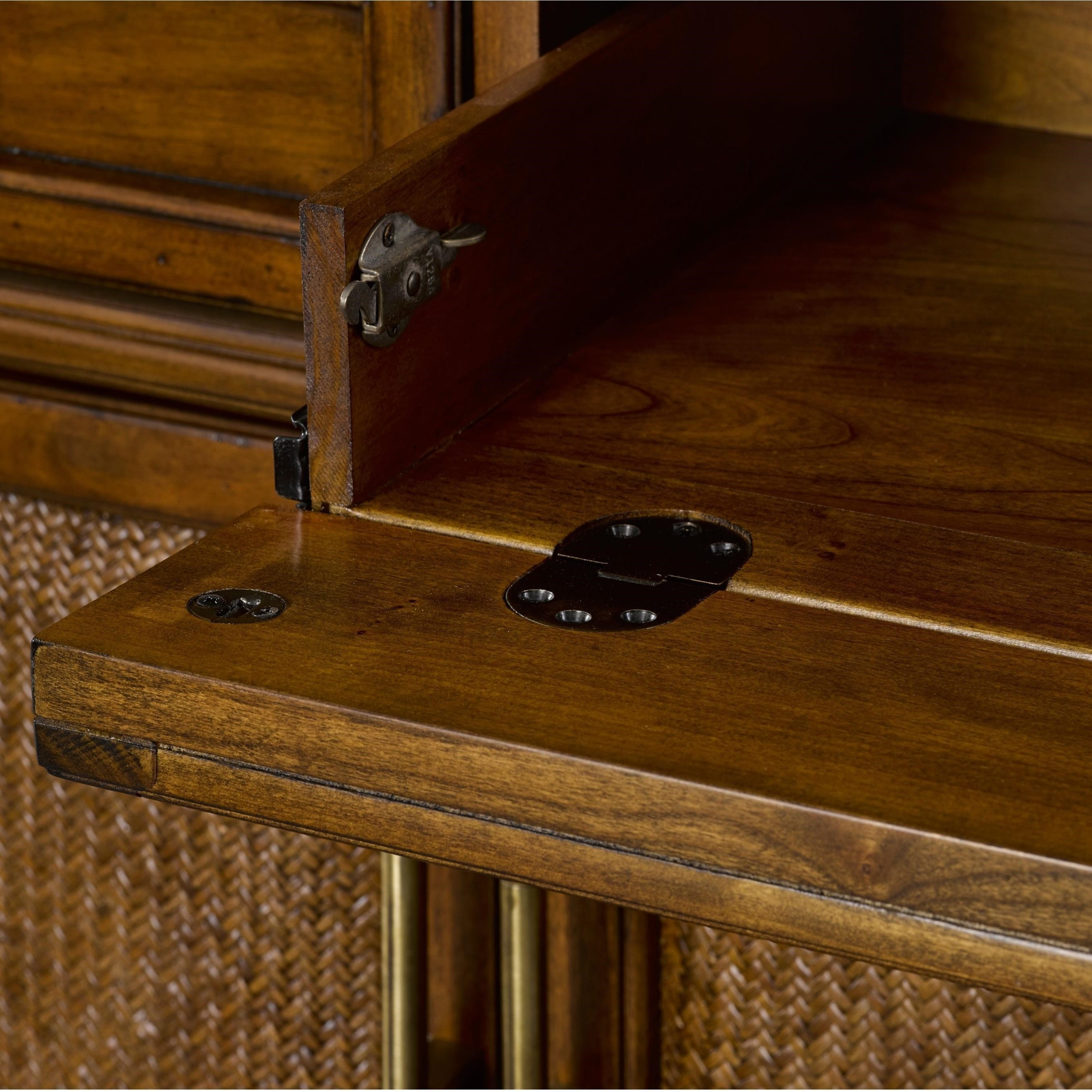 Broyhill Furniture Amalie Bay 4548 513 5 Drawer Sideboard