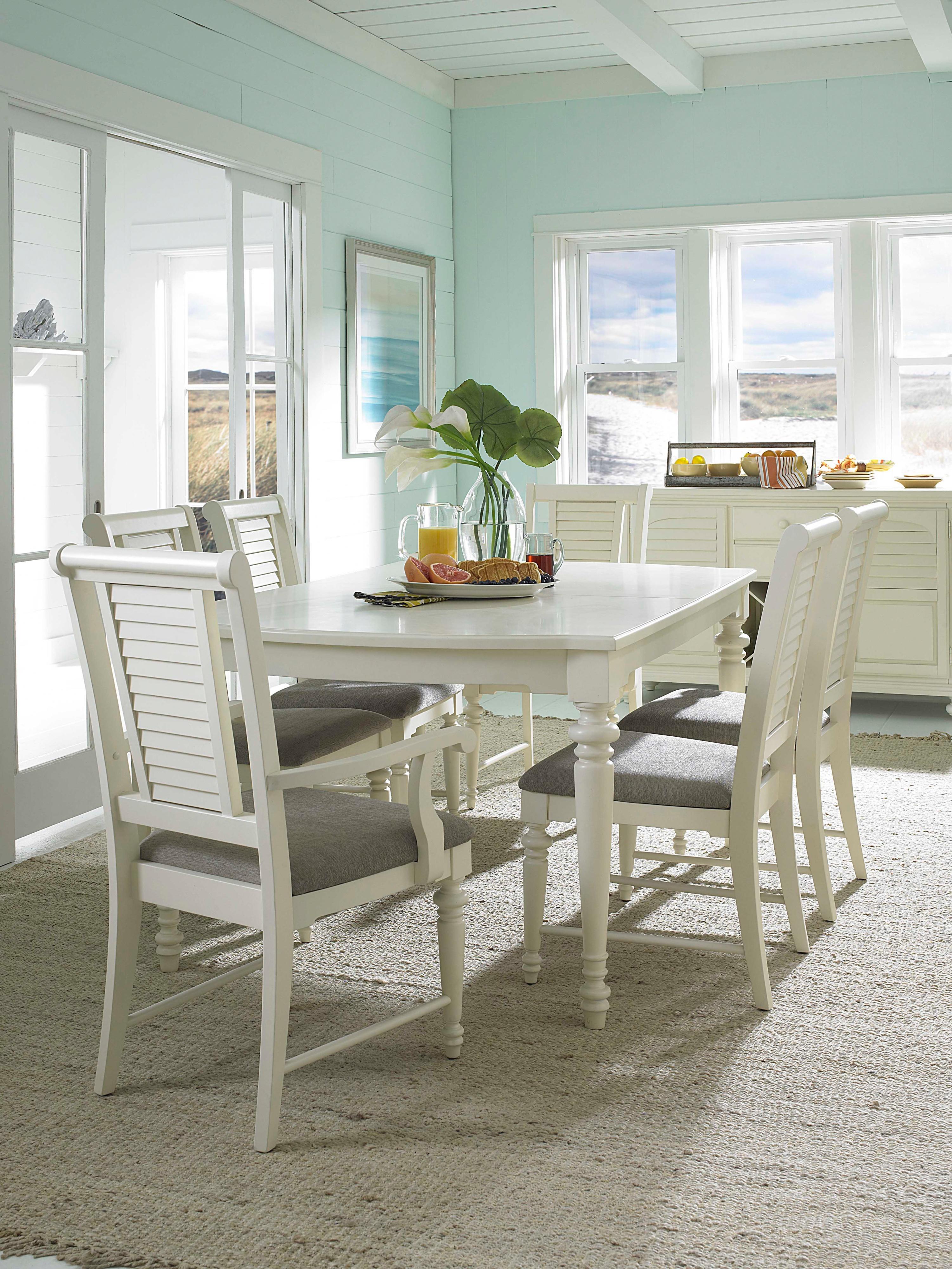 Broyhill Furniture Seabrooke 4471 532 Turned Leg Dining