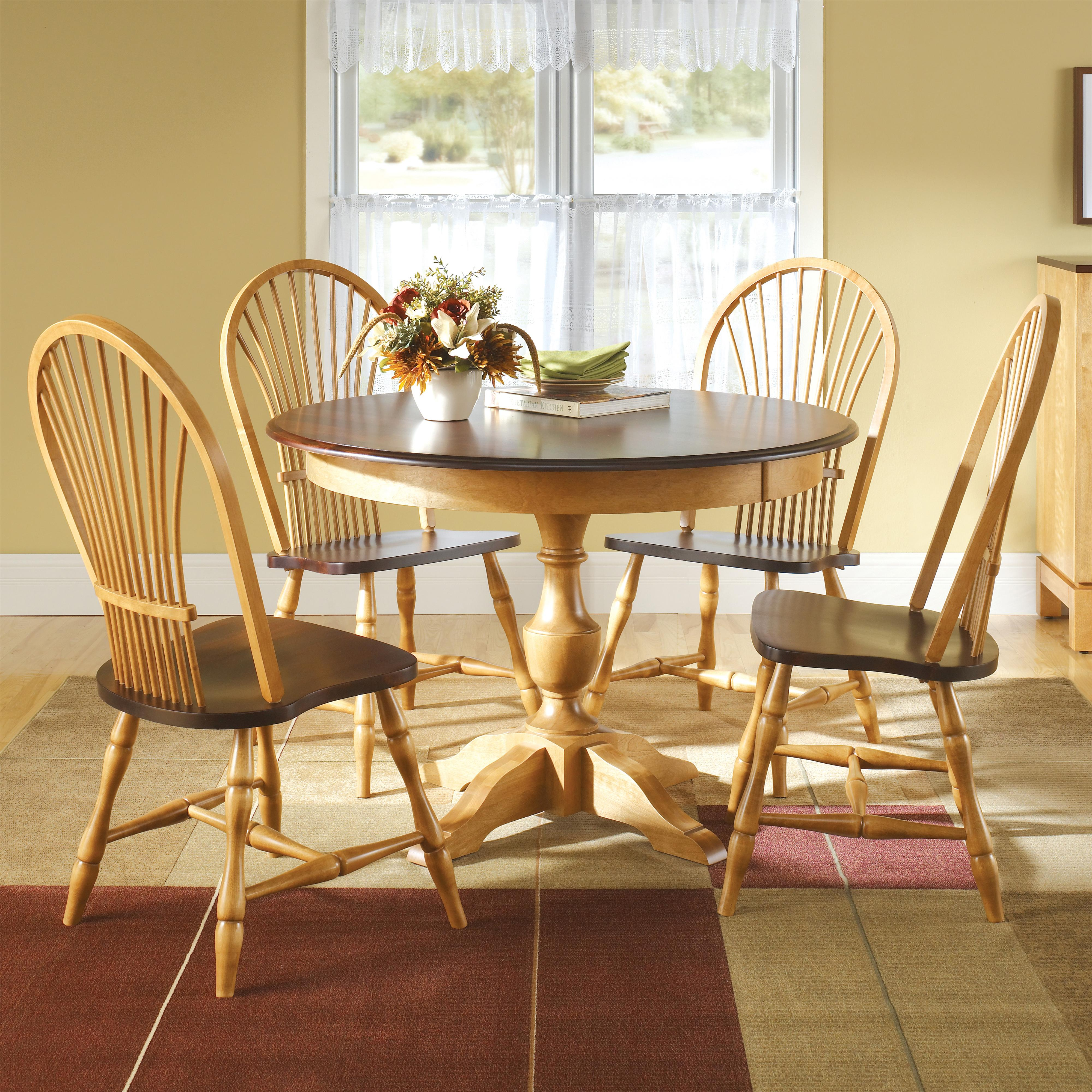 Canadel Custom Dining Customizable Round Table Set With 4