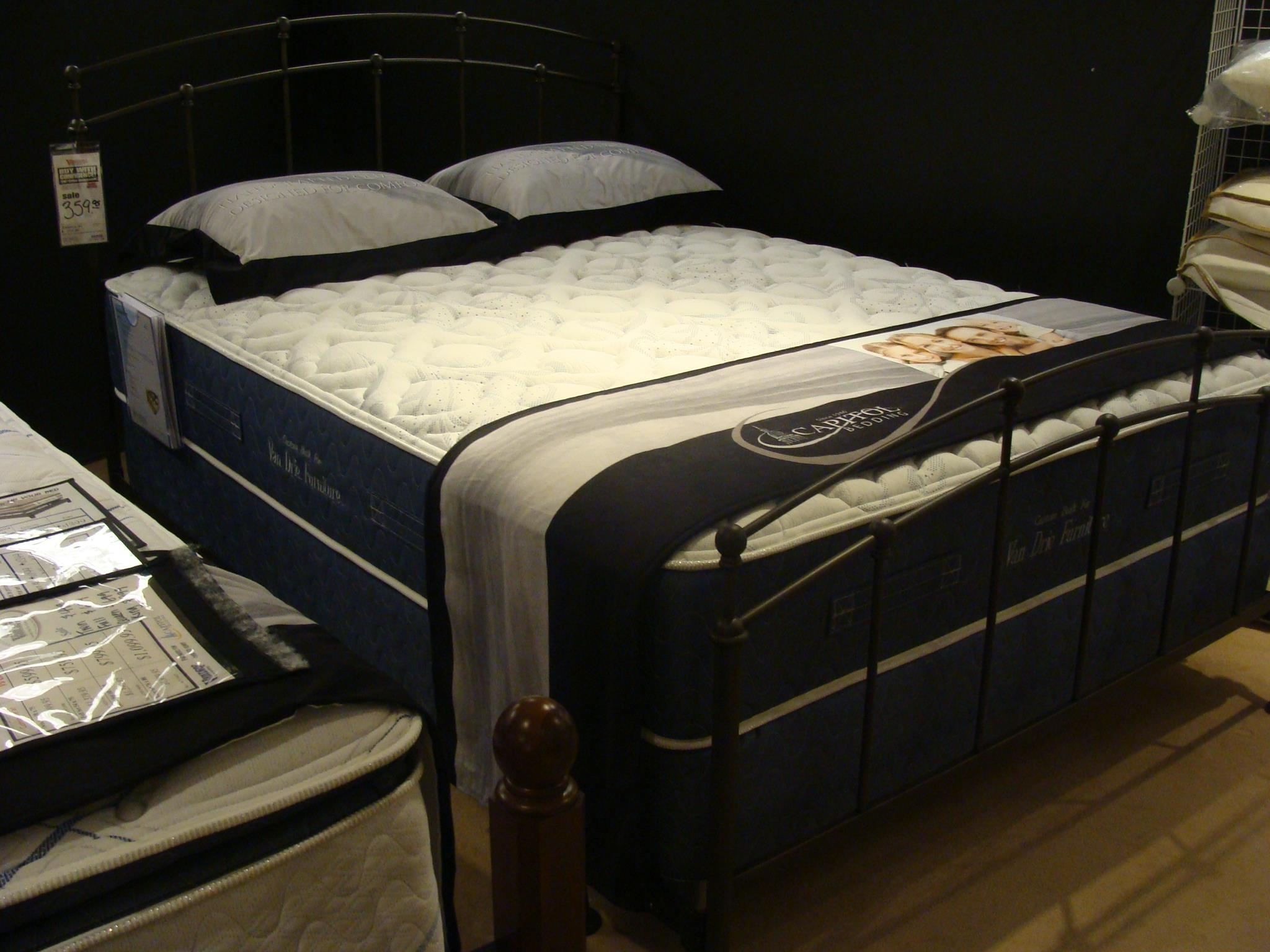 Capitol Bedding Melbourne Firm Queen Innerspring Mattress Set - Item Number: Innerspring-Q+HMI-Q