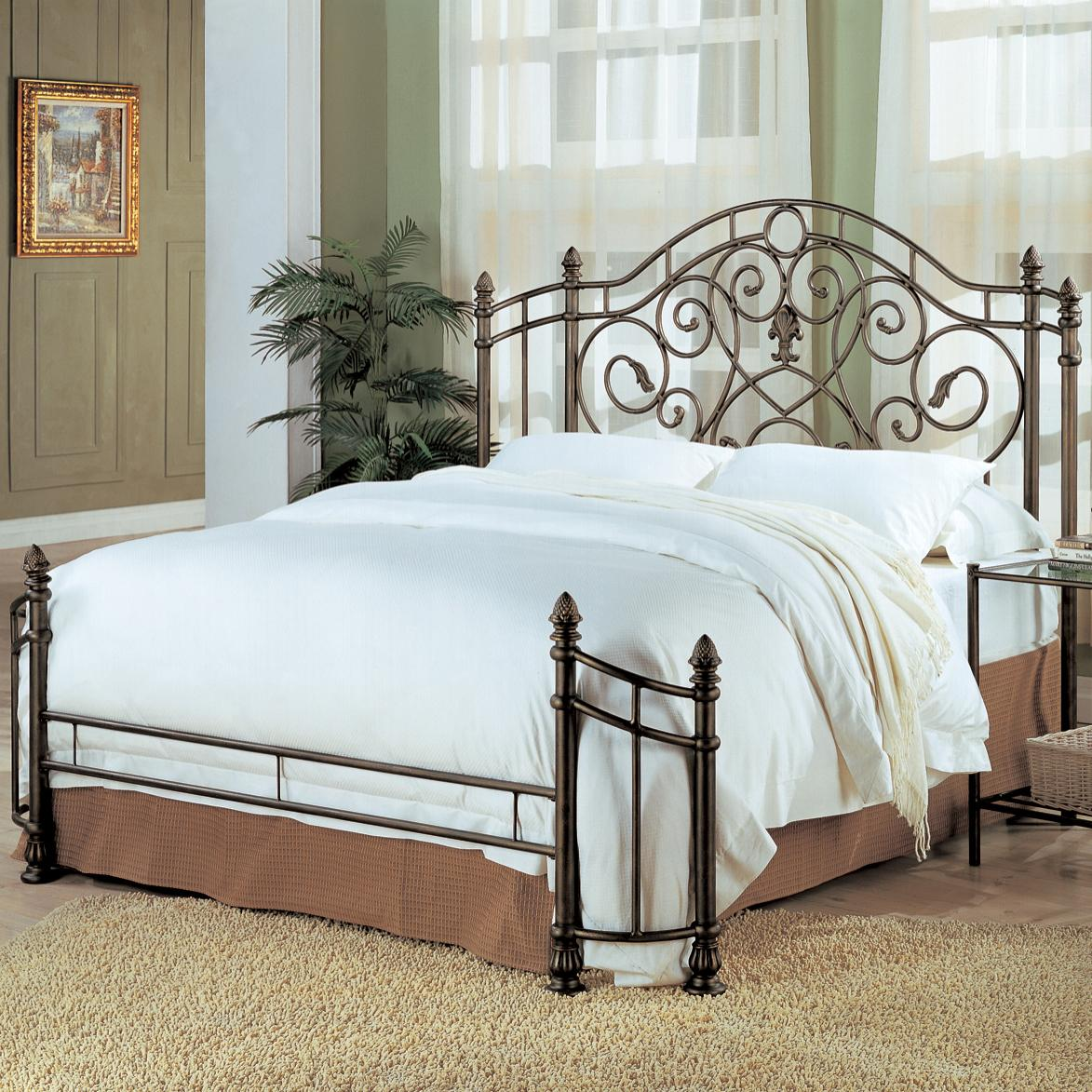 Coaster Violet Queen Iron Bed - Item Number: 300161Q+1208