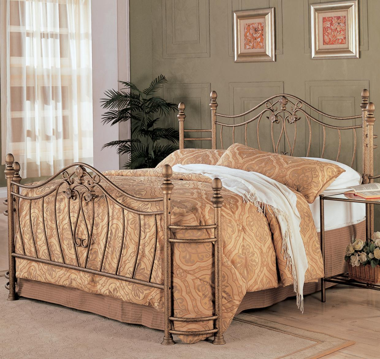 Queen Iron Bed