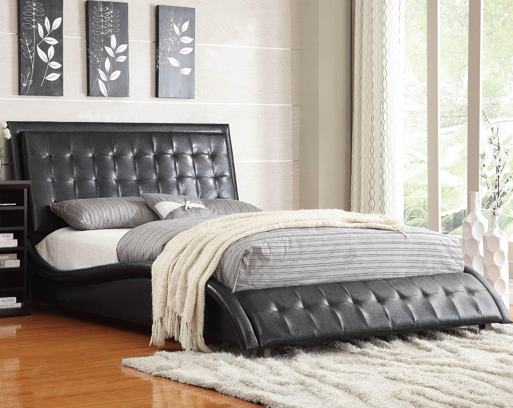 Coaster Tully Upholstered Queen Bed Dream Home Furniture