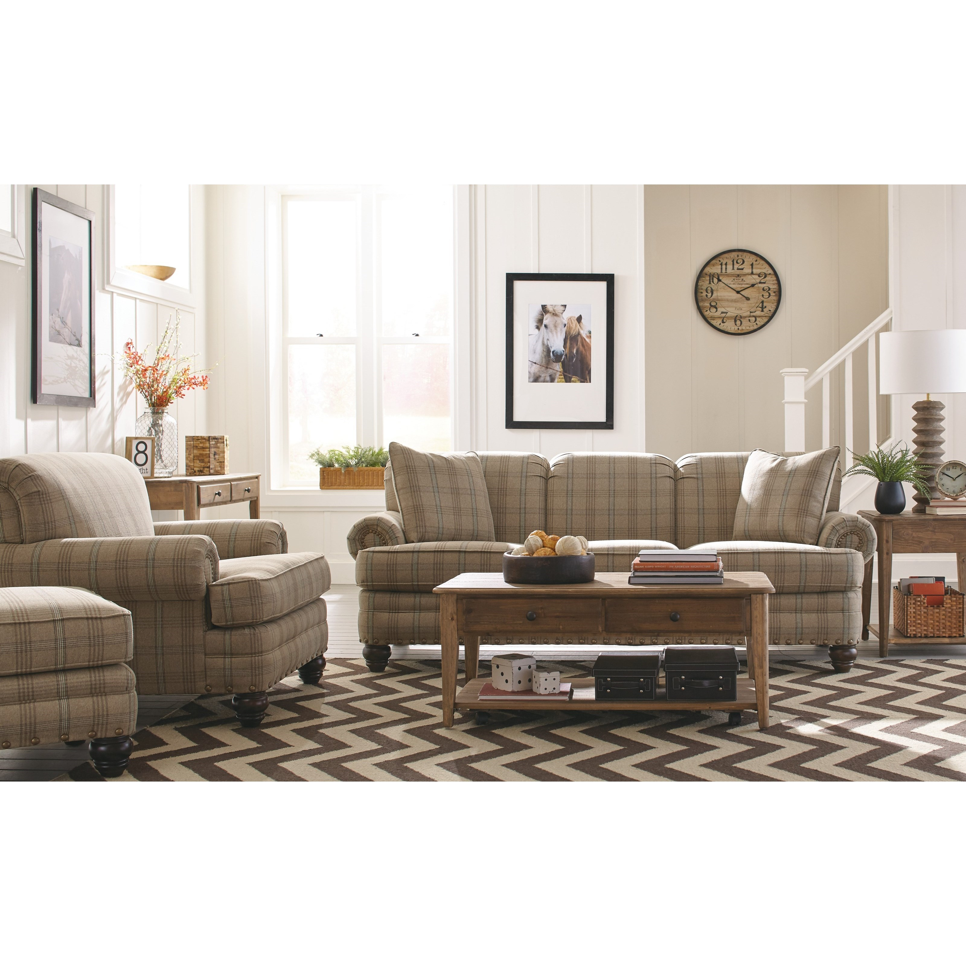 Hickory Craft 7281 Traditional Chair With Rolled Arms And