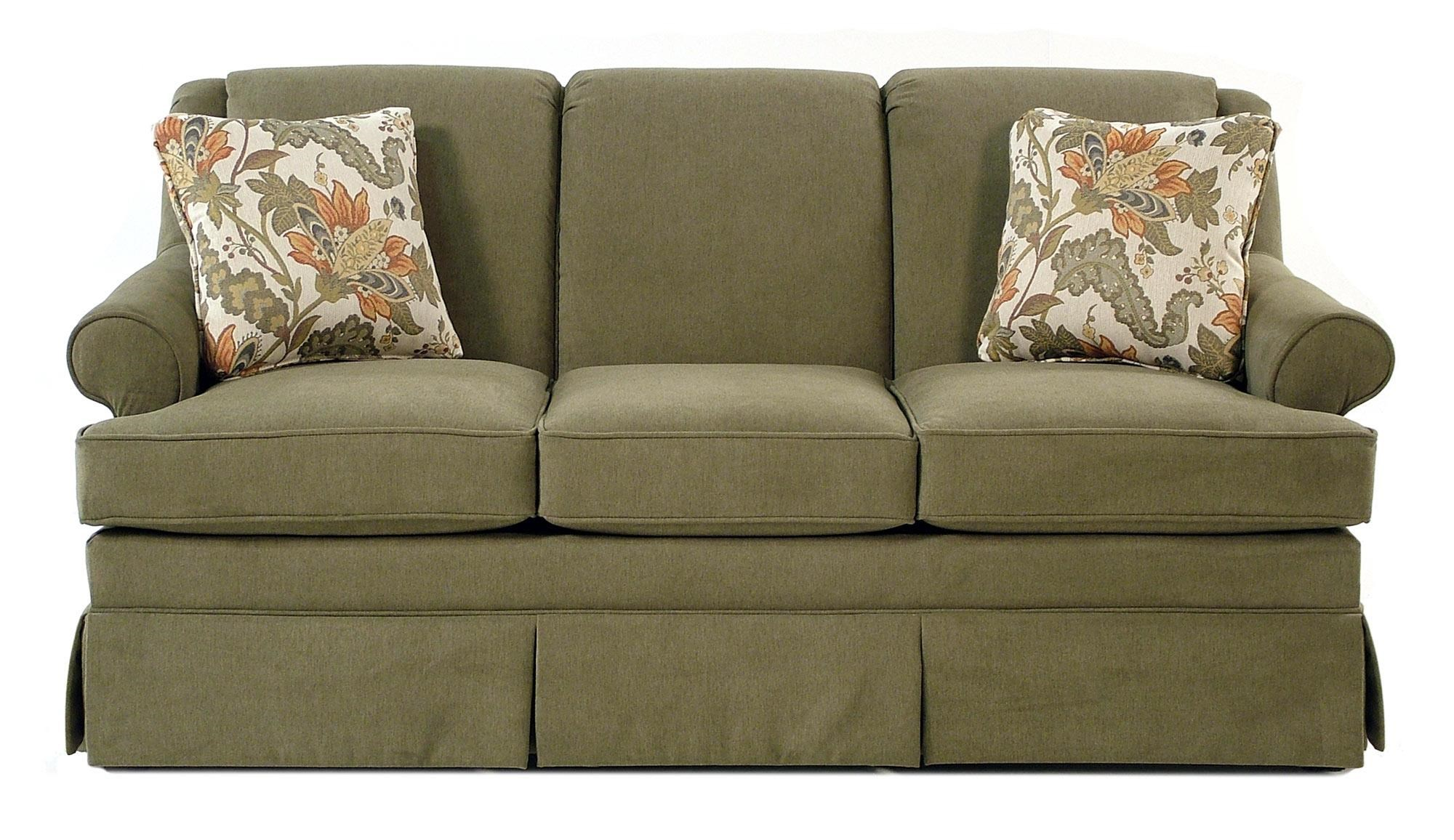 Cozy Life Audrey Traditional Skirted Sofa - Item Number: 920550-LEWIS16