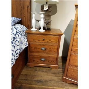 Daniel's Amish Elegance 3-Drawer Nightstand