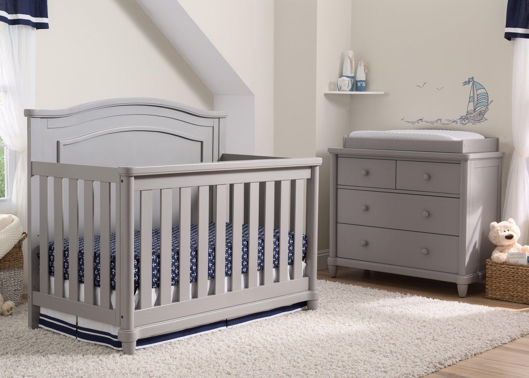 Brookside Crib in Grey