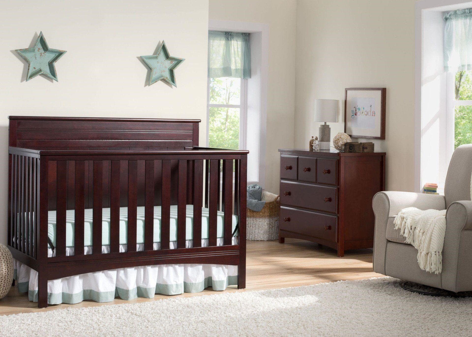 Townsend Crib in Chocolate
