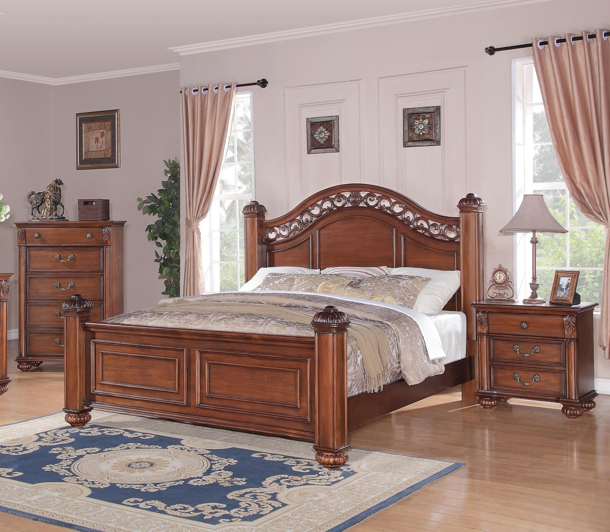 Queen Poster 3-Piece Bedroom Set